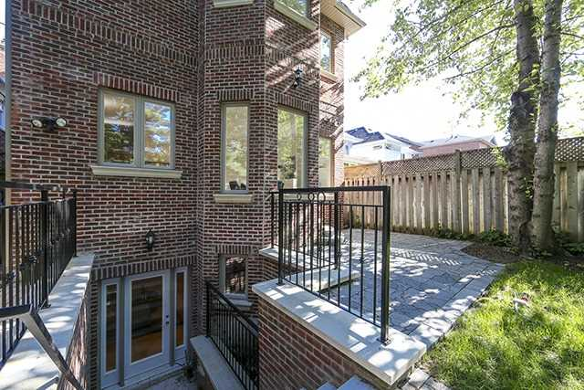 Detached at 100 Snowdon Ave, Toronto, Ontario. Image 11