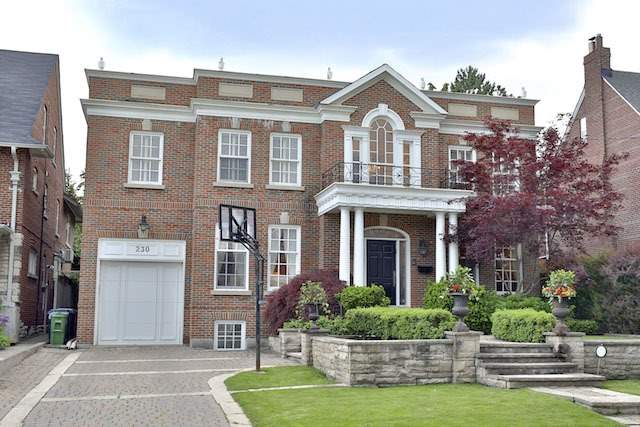Detached at 230 Dunvegan Rd, Toronto, Ontario. Image 1