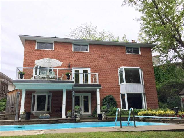 Detached at 16 Rubicon Crt, Toronto, Ontario. Image 12