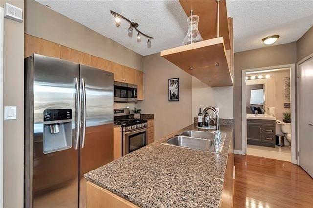 Condo Apartment at 5 Mariner Terr, Unit 306, Toronto, Ontario. Image 1