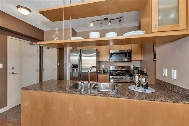 Condo Apartment at 5 Mariner Terr, Unit 306, Toronto, Ontario. Image 3
