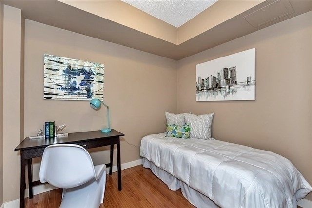 Condo Apartment at 5 Mariner Terr, Unit 306, Toronto, Ontario. Image 6