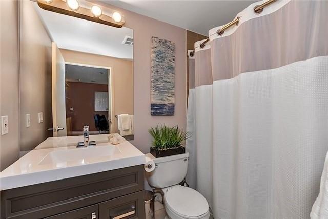 Condo Apartment at 5 Mariner Terr, Unit 306, Toronto, Ontario. Image 7