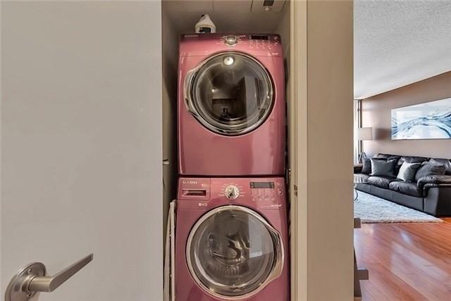 Condo Apartment at 5 Mariner Terr, Unit 306, Toronto, Ontario. Image 8
