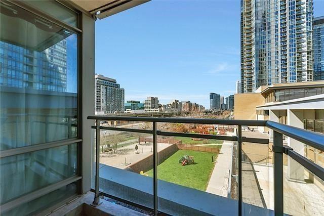 Condo Apartment at 5 Mariner Terr, Unit 306, Toronto, Ontario. Image 9