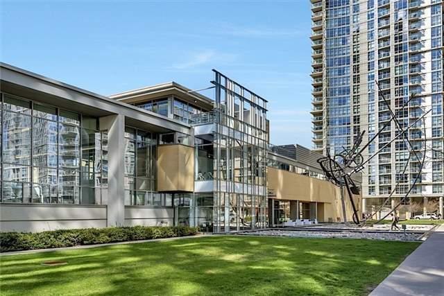 Condo Apartment at 5 Mariner Terr, Unit 306, Toronto, Ontario. Image 11