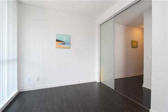 Condo Apartment at 770 Bay St, Unit 712, Toronto, Ontario. Image 5