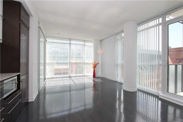 Condo Apartment at 770 Bay St, Unit 712, Toronto, Ontario. Image 8
