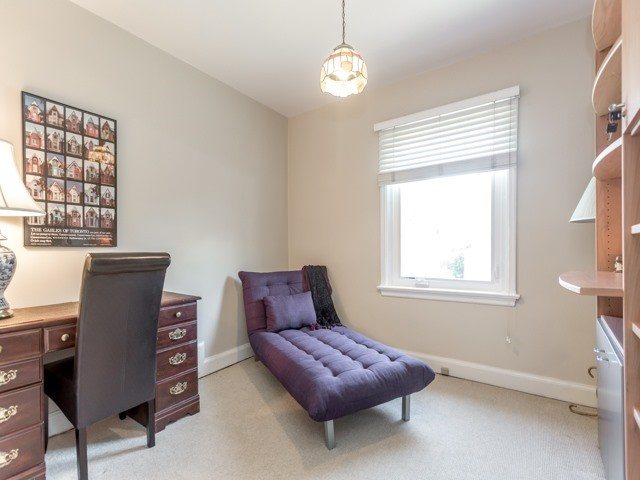 Detached at 98 Laurelcrest Ave, Toronto, Ontario. Image 6