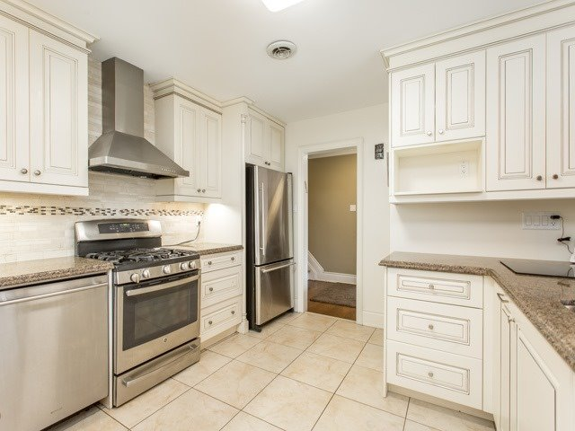 Detached at 106 Baycrest Ave, Toronto, Ontario. Image 4