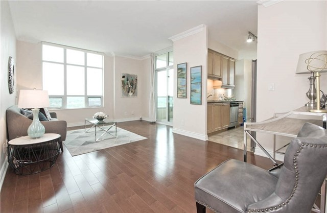 Condo Apartment at 10 Bloorview Pl, Unit 1807, Toronto, Ontario. Image 16