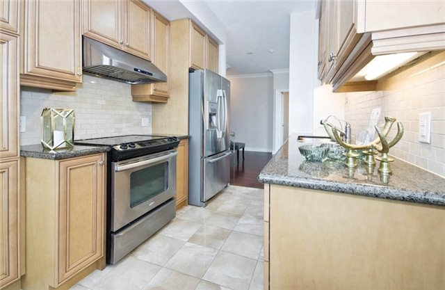Condo Apartment at 10 Bloorview Pl, Unit 1807, Toronto, Ontario. Image 20