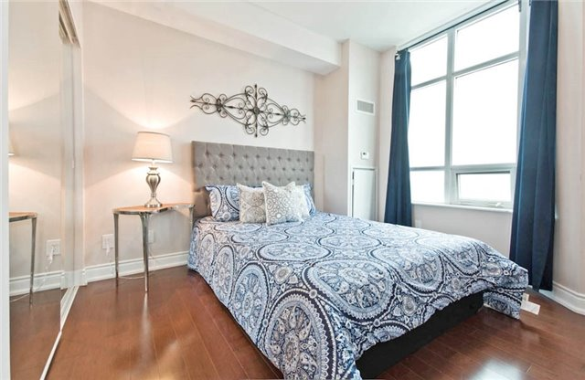 Condo Apartment at 10 Bloorview Pl, Unit 1807, Toronto, Ontario. Image 8