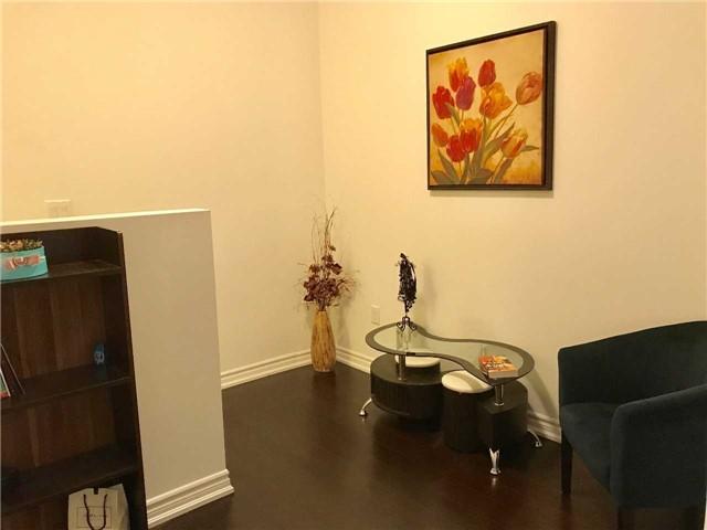Condo Apartment at 386 Yonge St, Unit 5712, Toronto, Ontario. Image 16