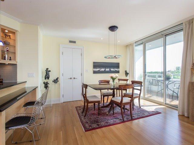 Condo Apartment at 500 Avenue Rd, Unit 707, Toronto, Ontario. Image 16