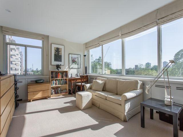 Condo Apartment at 500 Avenue Rd, Unit 707, Toronto, Ontario. Image 5
