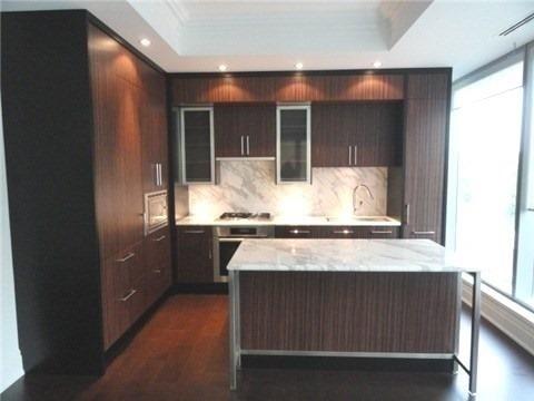 Condo Apartment at 55 Scollard St, Unit 703, Toronto, Ontario. Image 2