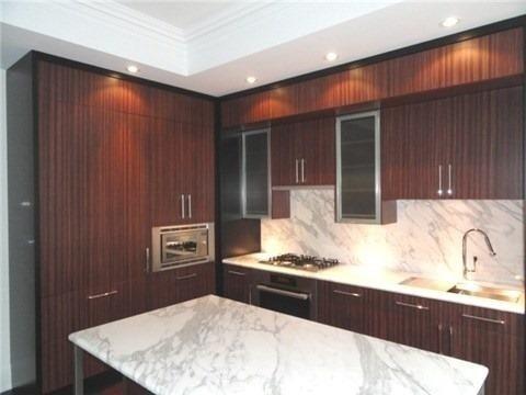 Condo Apartment at 55 Scollard St, Unit 703, Toronto, Ontario. Image 3