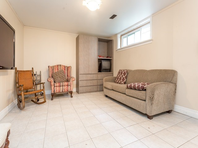Detached at 19 Christine Cres, Toronto, Ontario. Image 10