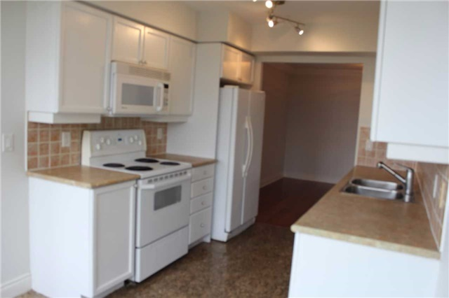 Condo Apartment at 880 Grandview Way, Unit 1303, Toronto, Ontario. Image 12