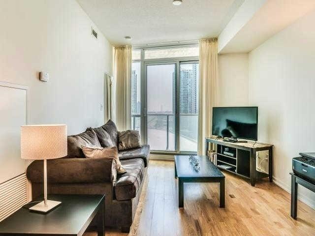 Condo Apartment at 65 Bremner Blvd, Unit 1309, Toronto, Ontario. Image 12