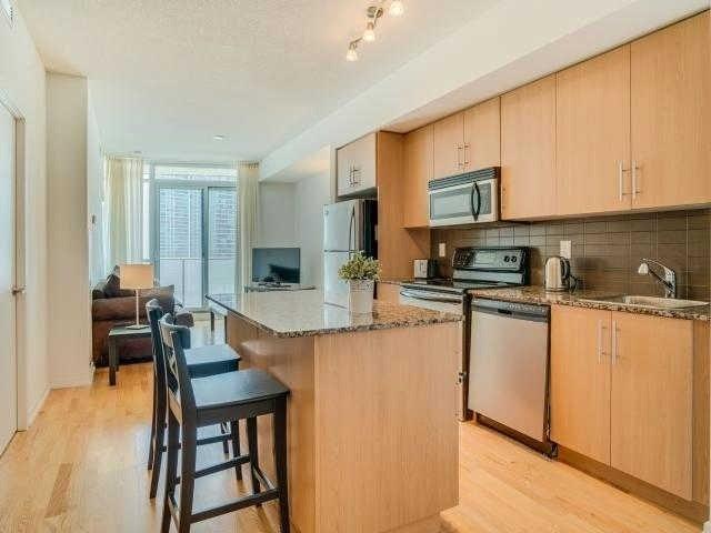 Condo Apartment at 65 Bremner Blvd, Unit 1309, Toronto, Ontario. Image 16
