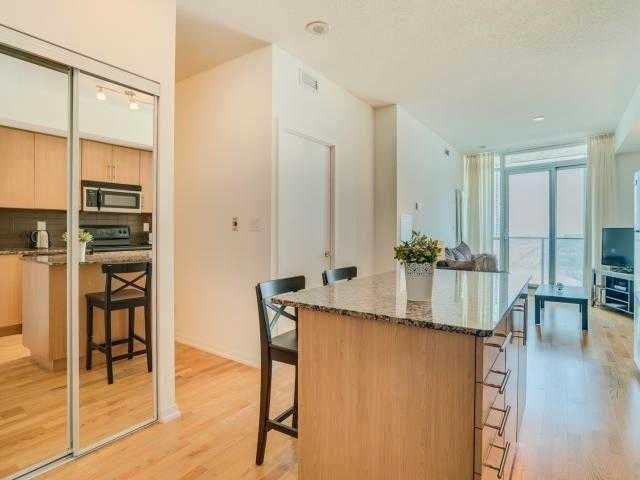 Condo Apartment at 65 Bremner Blvd, Unit 1309, Toronto, Ontario. Image 17