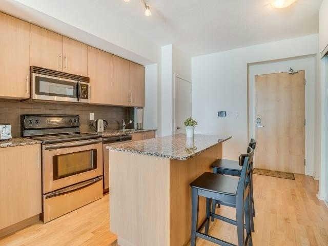 Condo Apartment at 65 Bremner Blvd, Unit 1309, Toronto, Ontario. Image 18