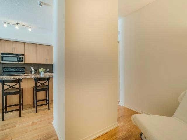 Condo Apartment at 65 Bremner Blvd, Unit 1309, Toronto, Ontario. Image 19