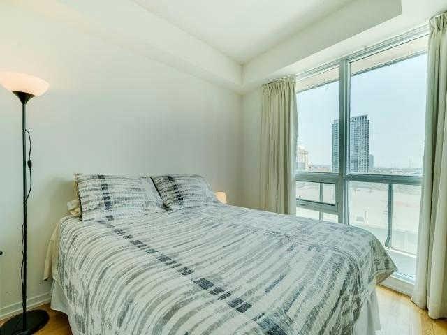 Condo Apartment at 65 Bremner Blvd, Unit 1309, Toronto, Ontario. Image 20
