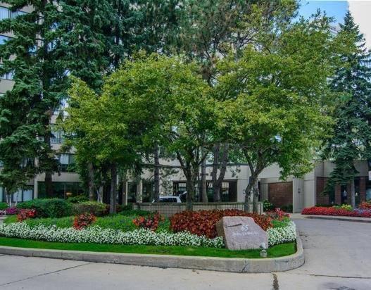 Condo Apartment at 65 Spring Garden Ave, Unit 706, Toronto, Ontario. Image 12