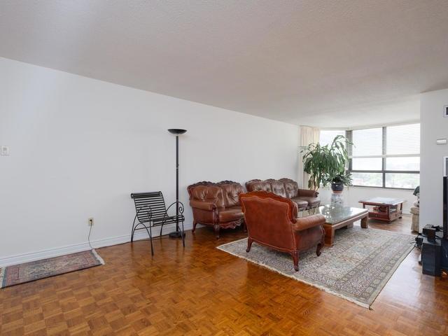 Condo Apartment at 65 Spring Garden Ave, Unit 706, Toronto, Ontario. Image 15