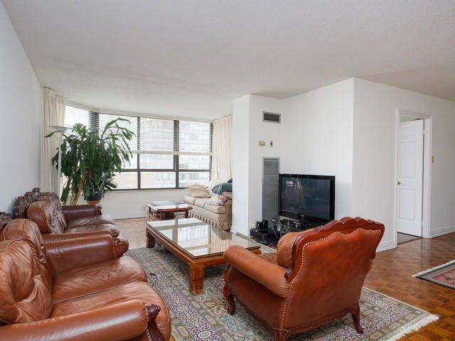 Condo Apartment at 65 Spring Garden Ave, Unit 706, Toronto, Ontario. Image 17