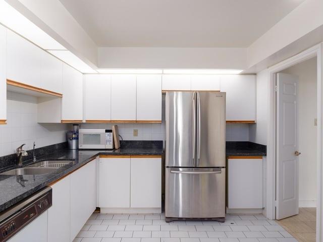 Condo Apartment at 65 Spring Garden Ave, Unit 706, Toronto, Ontario. Image 19