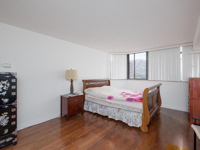 Condo Apartment at 65 Spring Garden Ave, Unit 706, Toronto, Ontario. Image 20