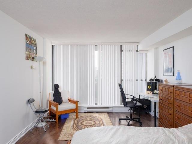 Condo Apartment at 65 Spring Garden Ave, Unit 706, Toronto, Ontario. Image 5