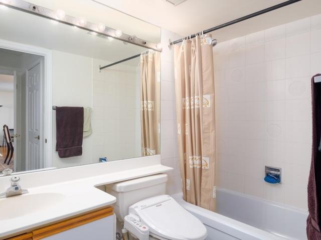 Condo Apartment at 65 Spring Garden Ave, Unit 706, Toronto, Ontario. Image 6