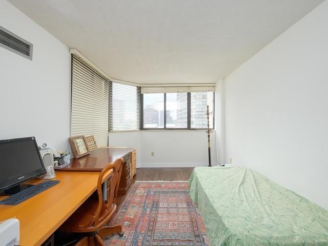 Condo Apartment at 65 Spring Garden Ave, Unit 706, Toronto, Ontario. Image 7