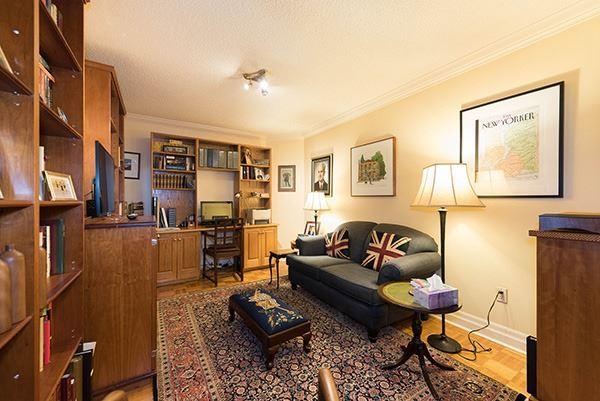 Condo Apartment at 160 Frederick St, Unit 605, Toronto, Ontario. Image 11
