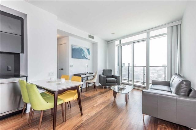 Condo Apartment at 125 Peter St, Unit 2301, Toronto, Ontario. Image 4