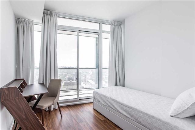 Condo Apartment at 125 Peter St, Unit 2301, Toronto, Ontario. Image 8