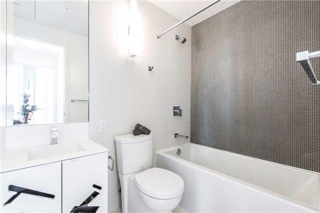 Condo Apartment at 125 Peter St, Unit 2301, Toronto, Ontario. Image 10