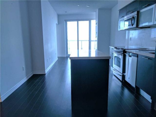Condo Apartment at 386 Yonge St, Unit 2804, Toronto, Ontario. Image 8