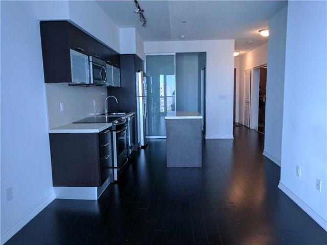 Condo Apartment at 386 Yonge St, Unit 2804, Toronto, Ontario. Image 10