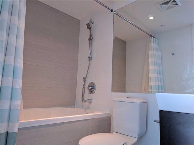 Condo Apartment at 386 Yonge St, Unit 2804, Toronto, Ontario. Image 13