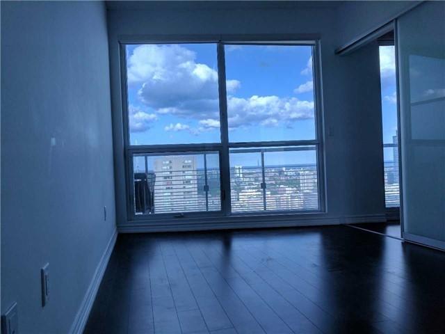 Condo Apartment at 386 Yonge St, Unit 2804, Toronto, Ontario. Image 14