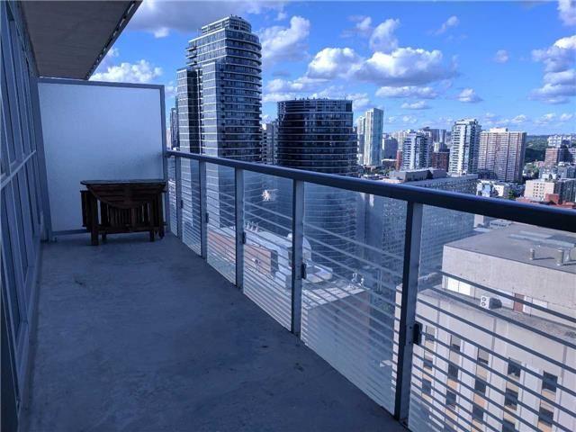 Condo Apartment at 386 Yonge St, Unit 2804, Toronto, Ontario. Image 15