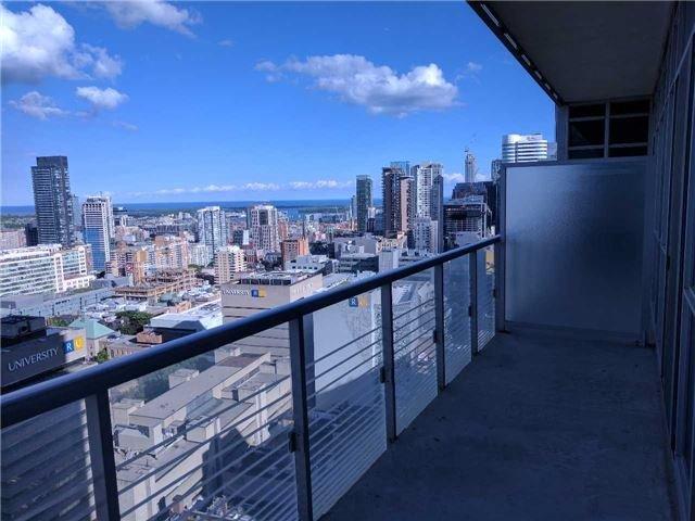 Condo Apartment at 386 Yonge St, Unit 2804, Toronto, Ontario. Image 2