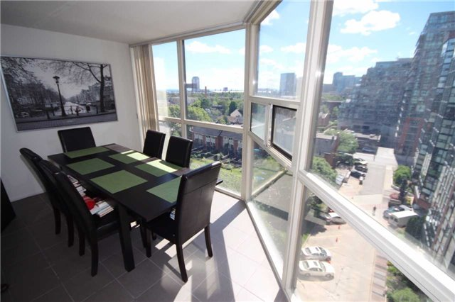 Condo Apartment at 701 King St W, Unit 914, Toronto, Ontario. Image 9
