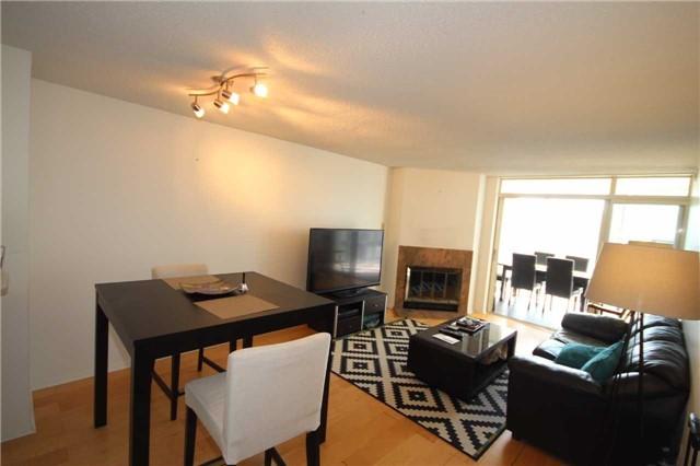 Condo Apartment at 701 King St W, Unit 914, Toronto, Ontario. Image 11